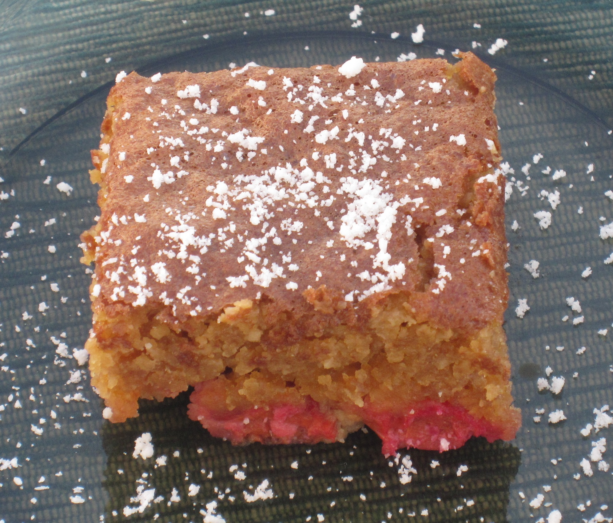 Delicious and easy-to-make sour cherry cake.